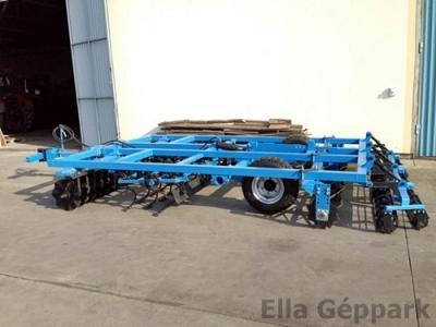 3,6 vontatott, hidraulikusan felcsukható