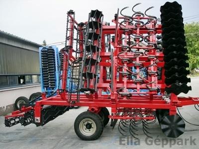 6,6m vontatott, hidraulikusan felcsukható
