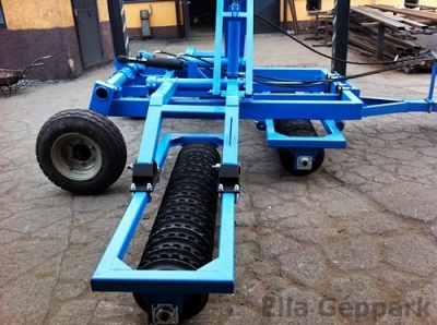 5,8m vontatott, hidraulikusan felcsukható