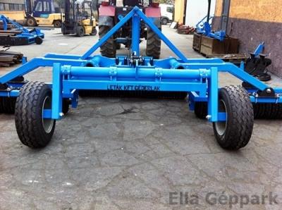 5,6m vontatott, hidraulikusan felcsukható